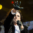 Alice Cooper close to full health after Covid-19 destroyed his Christmas
