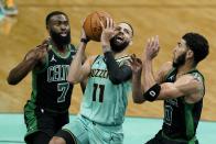 WATCH: Jaylen Brown scores 20 sides, 8 rebounds vs. Hornets (4/25)