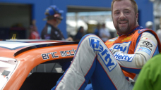 Frail NASCAR driver Eric McMclure dies at 42