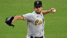 Pirates' Tyler Anderson loses no-hit bid in seventh vs Pads