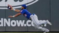 Pillar back on bench, banged-up Mets edge Braves on Nido HR