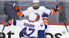 Islanders stun Pens 3-2 in double OT, take 3-2 series lead