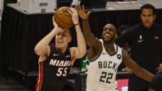 Bucks capitalize on hot start to roll past Warmth 132-98