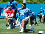 Why Penei Sewell's move to right tackle could take a while to work