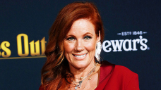 Elisa Donovan Talks Working On Hit Reveals 'Sabrina,' 'Clueless' & '90210': 'It Used to be Unbelievable'