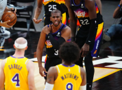 Chris Paul reinjures right shoulder as Suns takes 3-2 lead on Lakers in first round