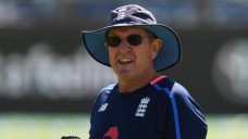 Snort snare coach Bayliss in BBL coup