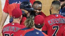 Donaldson, Cruz homers off Chapman lift Twins over Yanks 7-5