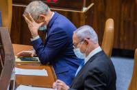 Netanyahu offered to resign, let Benny Gantz serve as PM