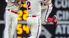 Trio of walkoffs helps Phillies move above .500
