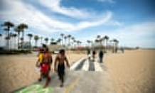 Californians and Texans urged to conserve energy as temperatures soar