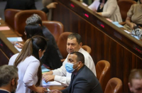 MK Abir Kara breaks law by voting twice on coronavirus bill