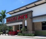 July 4th grocery and drugstore chains: Albertsons, Dealer Joe's, Kroger, Aldi, CVS are originate; Costco is closed