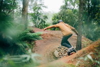 Evolve Skateboards carves up the Hadean Sequence electric board with crazy 50km/hr top speed and 65km range