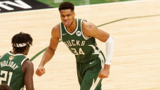 Bucks rout Suns in Game 3 behind Giannis Antetokounmpo's huge 41-point effort