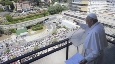 Pope to attend UN climate conference in UK