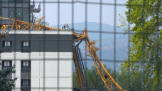 5th body recovered from site of Kelowna, B.C., crane collapse