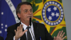 Brazil leader with hiccups visits hospital