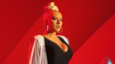 Christina Aguilera Is Glam In Low Sever Shaded Top As She Performs At The Hollywood Bowl — Photos