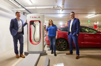 Perth gets its first Tesla Supercharger and it's a 6-bay, V3 offering 275 km of charge in 15 minutes