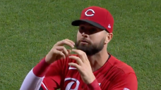 Reds outfielder Jesse Winker had the best response to a heckling Mets fan's rude sign