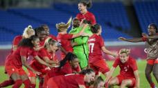 Canada women win shootout for soccer gold
