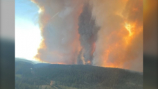 'Unpredictable winds' force nearly 1,000 more B.C. property evacuations as White Rock Lake wildfire grows