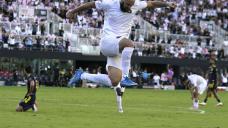 Higuaín's goal helps Inter Miami beat Nashville 2-1
