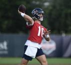 Texans rookie QB Davis Mills keeps his head up and seeks to improve