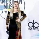 Kelly Clarkson asks divorce judge to restore last name
