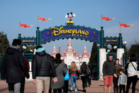 Disney beats expectations across the board, with U.S. parks returning to profit