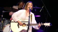 Jade Bird's Transatlantic Songs Of Gentle