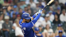 Mariners draw bases-loaded walk in ninth, beat Blue Jays 3-2