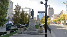 Sir John A. Macdonald statue toppled during rally in Hamilton