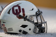 What are the Oklahoma Sooners getting in 5-important person wide receiver Brandon Inniss?