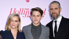 Ryan Phillippe & Reese Witherspoon's Son Deacon, 17, Looks Correct Esteem His Dad On New Mexico Getaway
