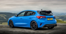 The Ford Focal level ST Edition Has Manually Adjustable Coilovers And A Particular Shade Of Blue