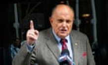 The rules of public grooming: Rudy Giuliani shaves in a restaurant. In the occasion you?