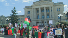 Regina residents rally to raise awareness about crisis in Afghanistan