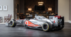 Fetch This 'Almost Indistinguishable' McLaren MP4-26 F1 Duplicate And Make Your Residing Room Superior