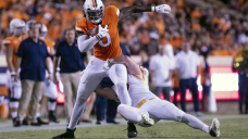Armstrong throws, runs Virginia past William & Mary, 43-0