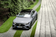 Mercedes EQE luxury sedan, up to 660km fluctuate, will monitor your eyelids