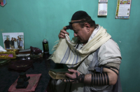 The last Jew in Afghanistan en route to the United States