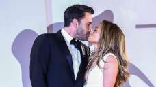 Jennifer Lopez and Ben Affleck make red carpet return at The Closing Duel premiere