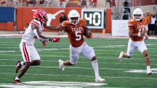 Texas vs. Arkansas live movement, TV channel, start time, odds, how to watch NCAA football