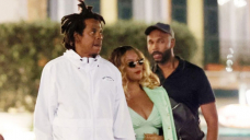 Beyoncé Stuns In Mint Inexperienced Dress As She Holds Hands With Jay-Z On Portofino Date Night — Photos
