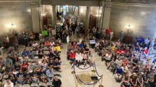 Missouri firms, protesters slam Biden's vaccine mandate