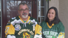 Humboldt Bronco father asks Saskatchewan to unite again and get vaccinated