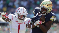 Analysis: Notre Dame looks mediocre at handiest, but the Irish keep winning and that's all that matters