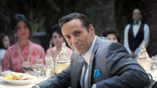 Alessandro Nivola: 5 Things To Know About The Central Star Of 'The Many Saints Of Newark'